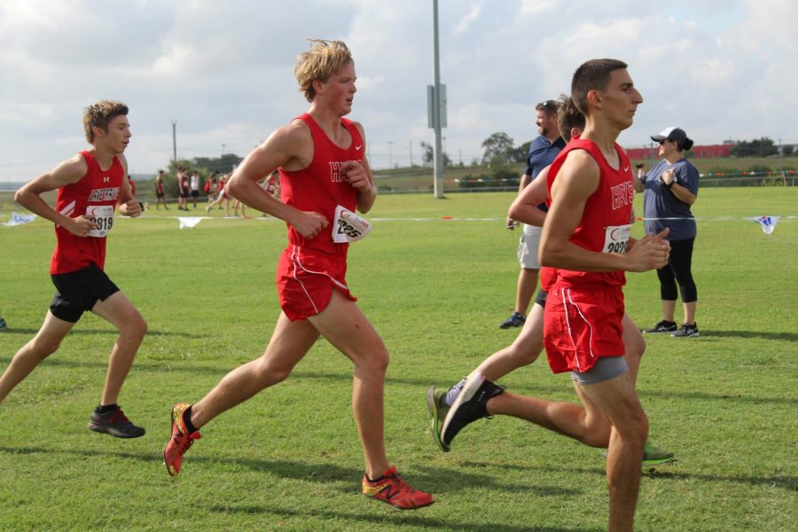 James+Holdridge%2C+a+senior+in+cross+country%2C+runs+to+the+finish+line+at+the+Chap+invitational+race