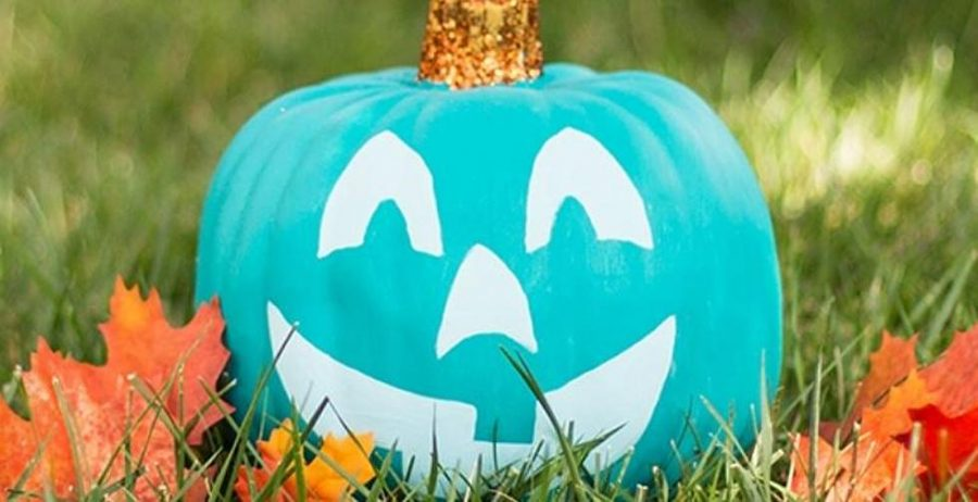 Blue+pumpkins+and+teal+pumpkins+symbolize+different+needs+for+trick-or-treaters